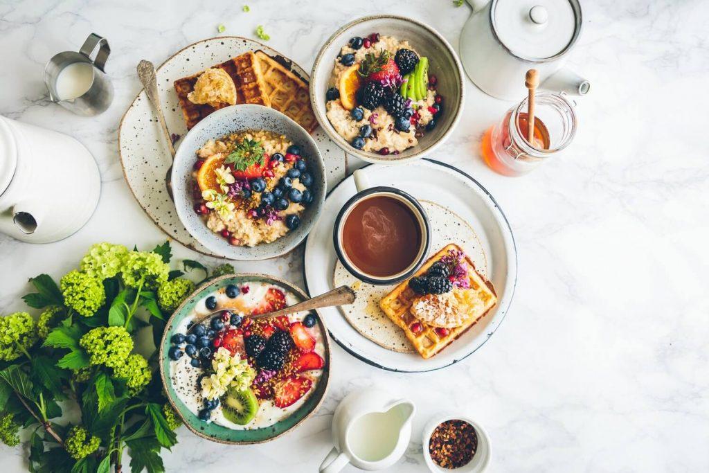 desayunos con cereal y fruta