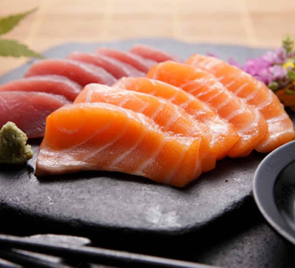 sashimi, diferente al sushi